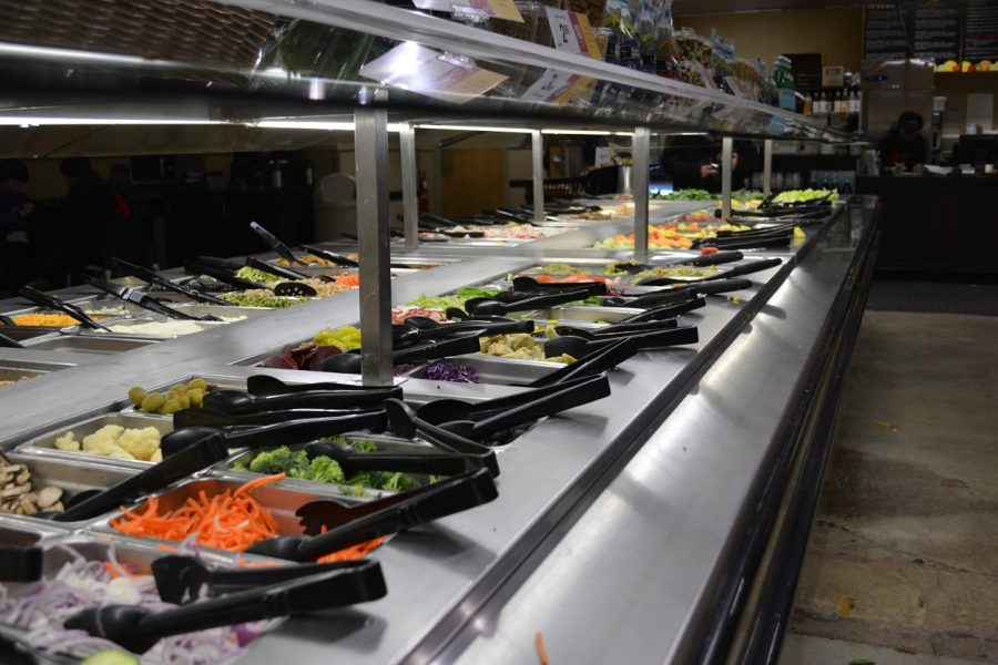 Mariano's salad bar, one of the few vegan/vegetarian options available to Lane students.