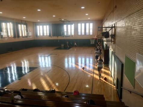 The Lane Tech basketball teams are hoping to return to the court soon, but they first need CPS approval and COVID-19 numbers to slow down. (File photo)
