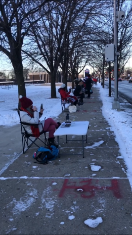 Lane teachers, as a rebuke of CPS' reopening plans, conducted their classes on Jan. 21 in the frigid cold, forming a line up and down Addison.